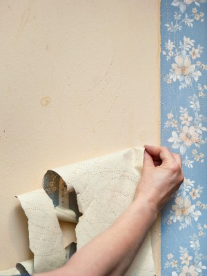 Wallpaper removal in Nonantum, Massachusetts by Torres Construction & Painting, Inc..